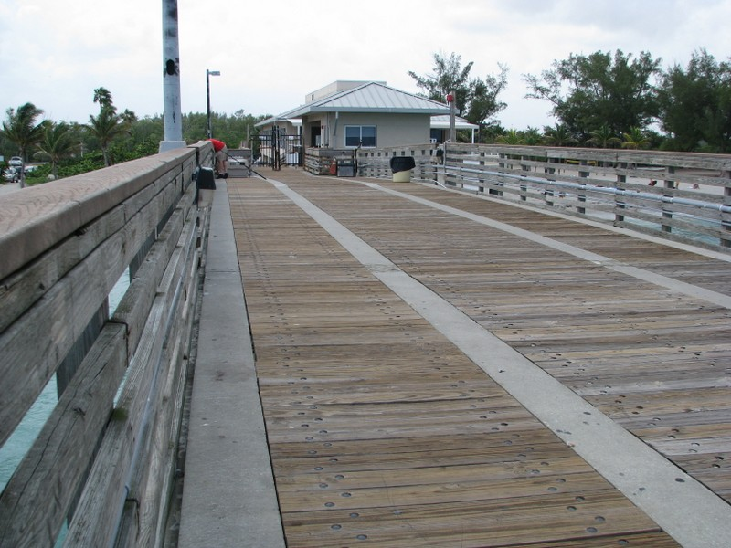 Dania Pier, looking toward land.