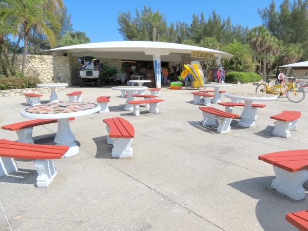 Snack bar on Fort Desoto Park's North Beach.