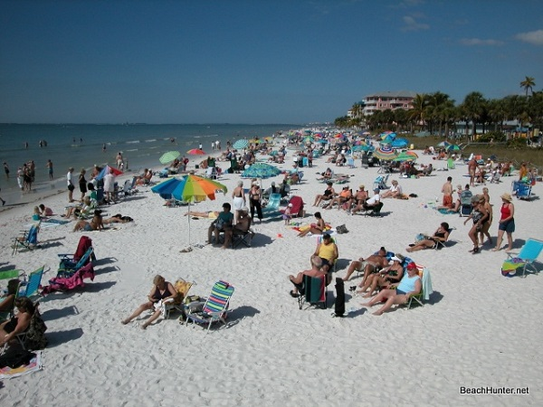 Fort Myers Beach at Lynn Hall Memorial Park