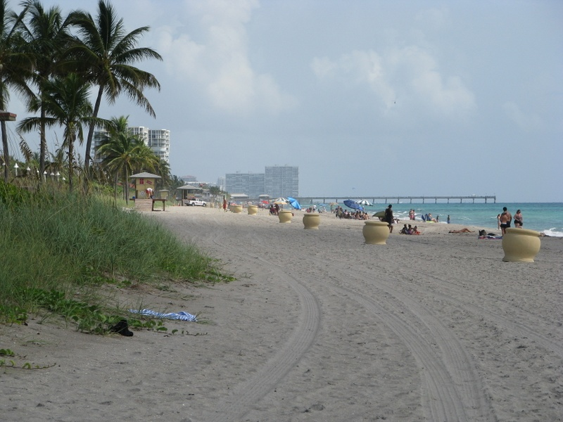 Hollywood Beach, Florida's golden sand beach