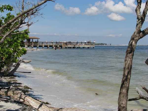 Public beaches on sanibel island florida for Sanibel fishing pier