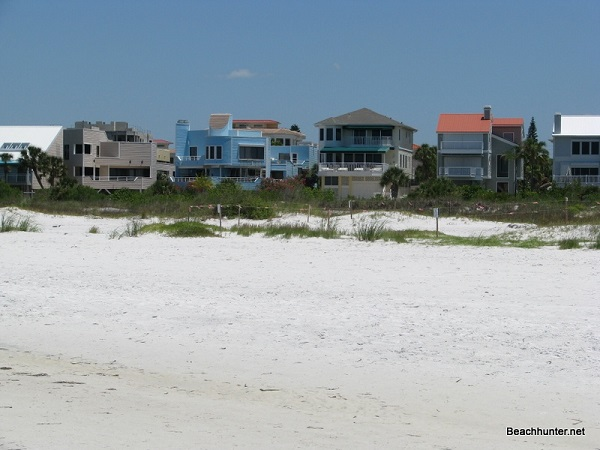 Siesta Key Beach vacation rentals on the Gulf of Mexico, Sarasota, Florida.